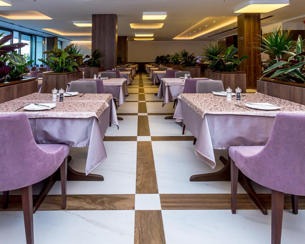 hotelplazaRestaurant2