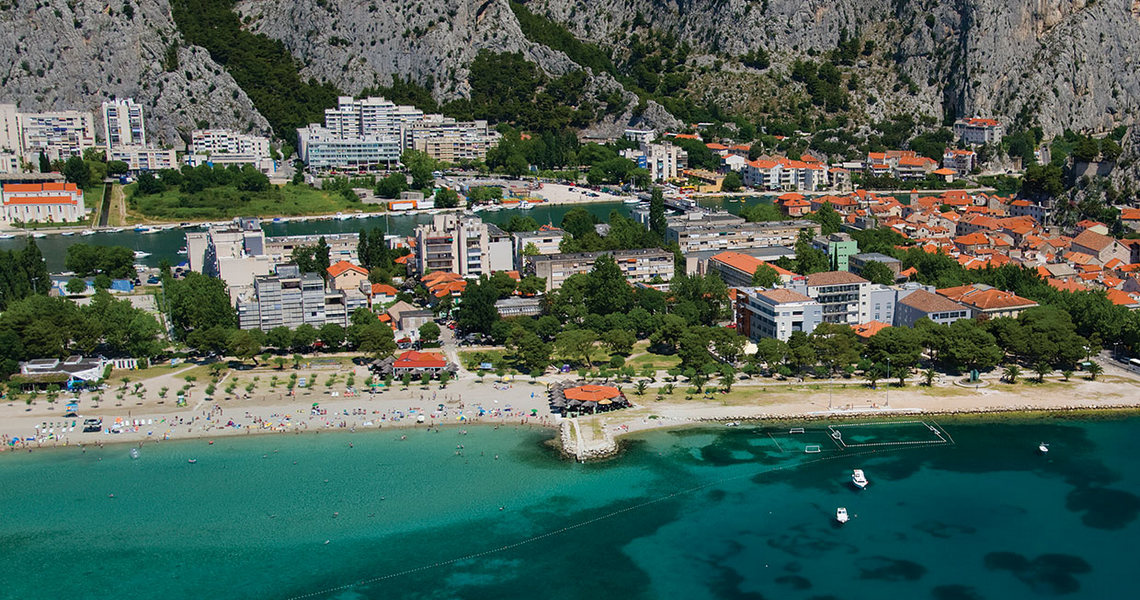 slider_plaza_omis-1a